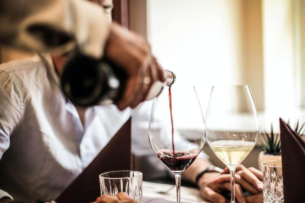 Wine releases endorphines